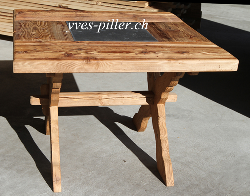 Table vieux bois 1